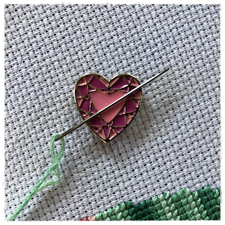 Magnetic Needle Minder Heart