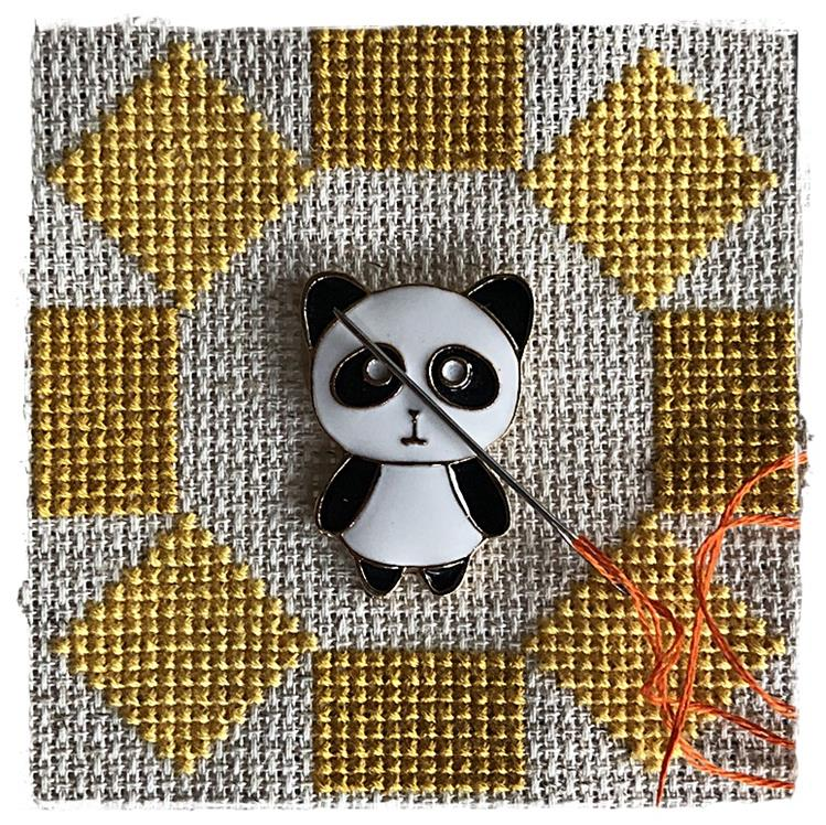 Magnetic Needle Minder Panda