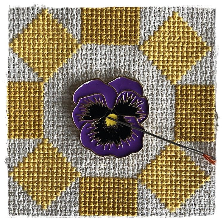 Magnetic Needle Minder Pansy Flower