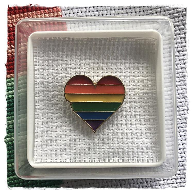 Magnetic Needle Minder Rainbow Heart