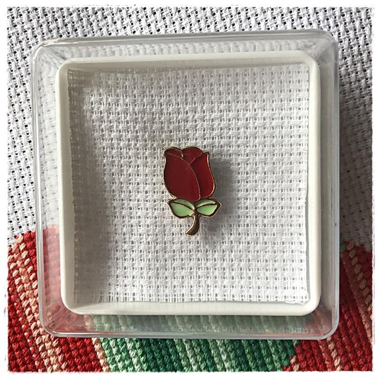 Magnetic Needle Minder Rose