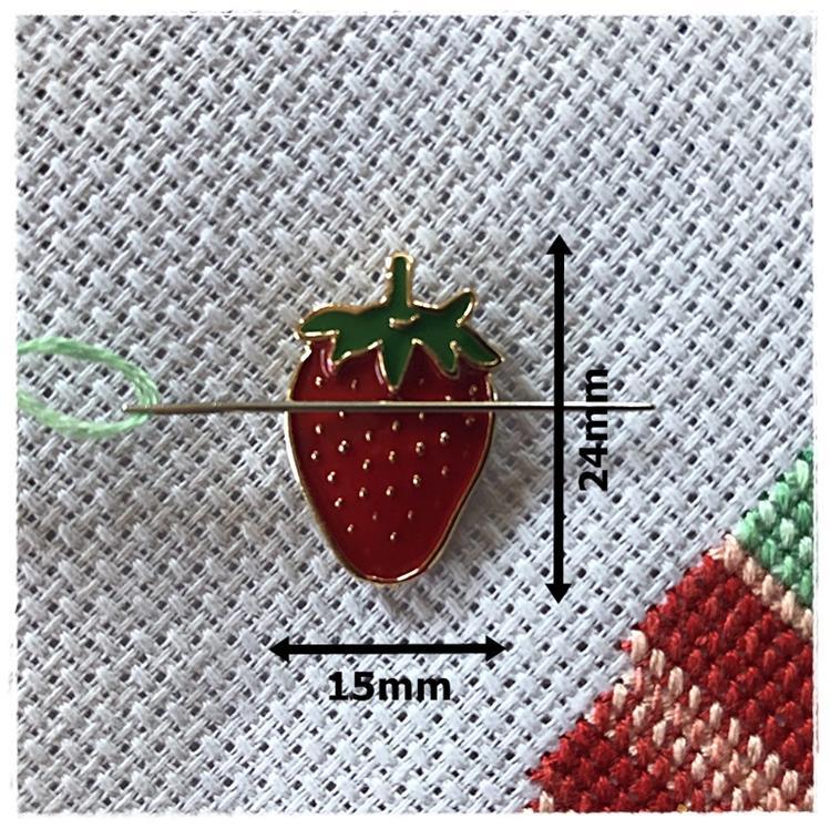 Magnetic Needle Minder Strawberry