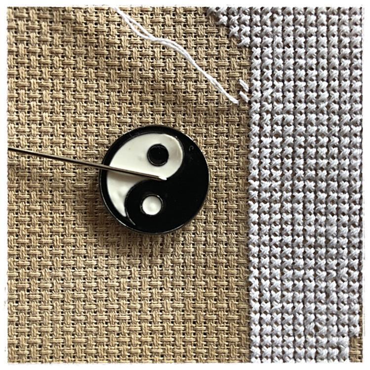 Magnetic Needle Minder Yin Yang